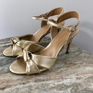 Banana Republic size 6 gold leather sandals heels